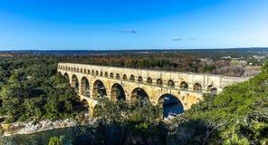 Pont du Gard är en gammal romersk akvedukt nära Nimes Arkivbilder