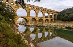 Pont du Gard, forntida romersk akvedukt, UNESCOplats i Frankrike royaltyfri bild