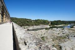 Pont du Gard och Gardon flod, Frankrike Arkivbild