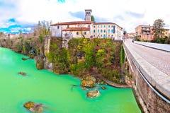 Pont du ` s de diable de Cividale del Friuli et casserole de canyon de rivière de Natisone Photo stock
