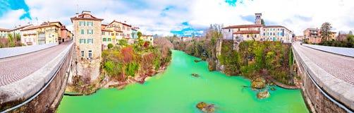 Pont du ` s de diable de Cividale del Friuli et casserole de canyon de rivière de Natisone Photographie stock