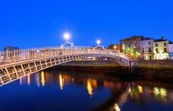 Pont Dublin Ireland de demi-penny Images libres de droits