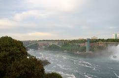 Pont en arc-en-ciel Photos libres de droits