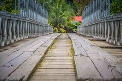 Pont en bois à Philippines Photos stock