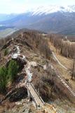 Pont en bois dans la montagne Photographie stock