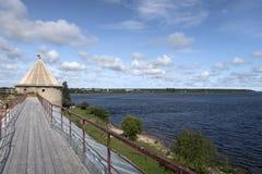 Pont en bois des forteresses antiques photographie stock libre de droits