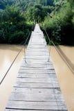 Pont en bois suspendu Photos libres de droits