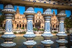 Pont en céramique à l'intérieur de Plaza de Espana en Séville, Espagne Images libres de droits