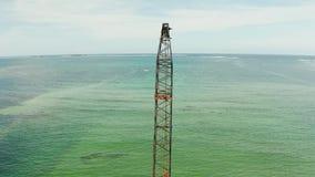 Pont en construction sur l'île de Siargao banque de vidéos
