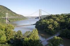 Pont en montagne d'ours Image libre de droits