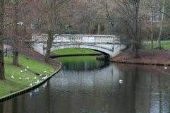 Pont en parc Image libre de droits