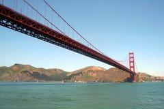 Pont en porte d'or de l'eau Photo stock