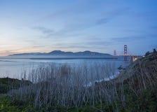 Pont en porte d'or et San Francisco Bay Photos libres de droits