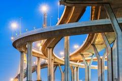Pont en route de Bhumibol Images stock