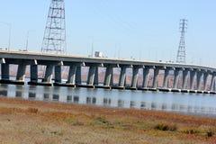 Pont en route de Dummbarton sur San du sud Francisco Bay, la Californie, Etats-Unis Photographie stock