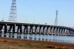 Pont en route de Dummbarton sur San du sud Francisco Bay, la Californie, Etats-Unis Image stock