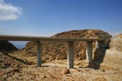 Pont en route de mer morte Photographie stock libre de droits