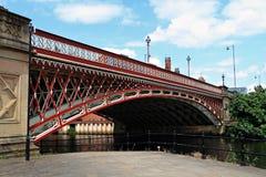 Pont en route de point de couronne Photographie stock libre de droits