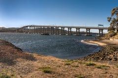 Pont en route de Tasman au-dessus de rivière de Derwent, Hobart Australia images stock