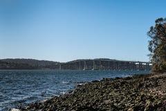 Pont en route de Tasman au-dessus de rivière de Derwent, Hobart Australia photos stock