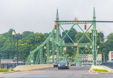 Pont en rue de Northampton, Easton Pennsylvania photographie stock libre de droits