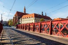 Pont en sable au-dessus de rivière d'Odra, Wroclaw image libre de droits