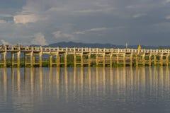 pont en teck Photo stock