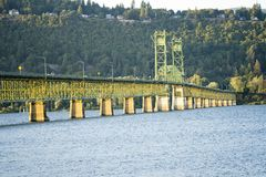 Pont en transport de Hood River-Lifting White Salmon à travers le col image libre de droits