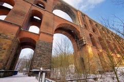 Pont en vallée de Goltzsch en hiver Photos libres de droits
