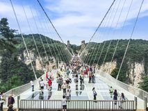 Pont en verre de Zhangjiajie photos stock
