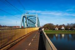 Pont en voie ferrée dans Deventer photo libre de droits