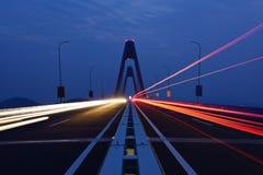 Pont enjambant la mer Photographie stock libre de droits