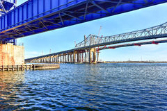 Pont et Arthur Kill Vertical Lift Bridge de Goethals photos stock