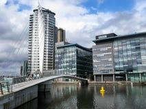 Pont et BBC, MediaCityUK, Manchester Images libres de droits