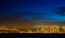 Pont et ville Image libre de droits