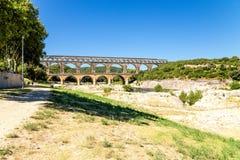 pont för du france gard Landskap med den forntida akvedukten, I-århundradeANNONS som är inklusive i UNESCOlistan Arkivbild