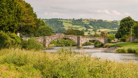Pont Fawr i Llanrwst, Wales, UK royaltyfria bilder