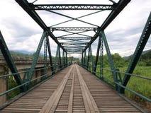 Pont historique au-dessus de la rivière de Pai, Thaïlande Image stock