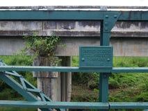Pont historique au-dessus de la rivière de Pai, Thaïlande photos stock