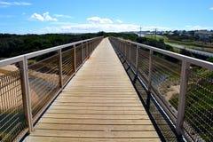 Manière de promenade de pont en rail Photos libres de droits