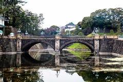 Pont impérial de pierre de palais de Tokyo | Voyage asiatique au Japon le 31 mars 2017 Image stock