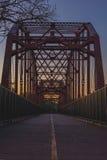 Pont juste de chênes Photographie stock libre de droits