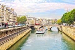 Pont Neuf和塞纳河,巴黎 图库摄影