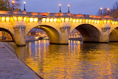 Pont Neuf在黎明,巴黎 免版税库存照片