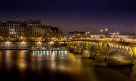 Pont-Neuf, Παρίσι τη νύχτα Στοκ εικόνα με δικαίωμα ελεύθερης χρήσης