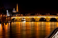 Pont-Neuf στο Παρίσι τη νύχτα Στοκ Εικόνα