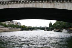 Pont neuf Brücke bis zum Nacht, Paris, Frankreich Stockbilder