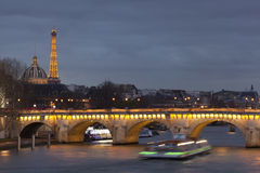 Pont Neuf i Paris Arkivbild