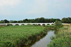 pont Neuf-troué de Hortobagy en parc national photos stock