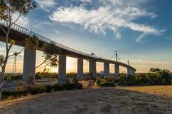 Pont occidental en porte de Melbourne au crépuscule Images libres de droits
